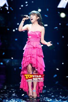 백아연(Baek A Yeon), '가녀린 체구 속의 반전 폭발 가창력' …Mnet 엠카운트다운 생방송 현장 [KPOP PHOTO]