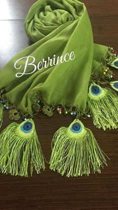 Peacock Shaw Embroidery Scarf, Hand Embroidery Designs, Hand Embroidery Flowers, Saree Tassels Designs, Saree Kuchu Designs, Blouse Designs, Crochet Buttons, Crochet Stitches, My Hairstyle