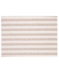 Mantel estampado en rayas beige con tratamiento de teflón y con un tacto muy similar al textil que repela los líquidos y manchas de fácil limpieza. Revitex online