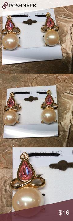 """NWOT PINK PEARL ELEGANT EARRINGS Measures 1 1/4"""" X 1/2"""" Jewelry Earrings"""
