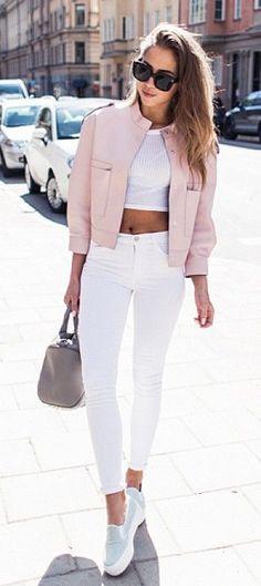 30 façons de porter le jean blanc repérées sur Pinterest c37772f1537