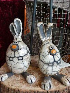 Regina-Chinow-raku-rabbits