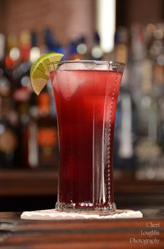Barefoot Sweet Freedom: Sweet Red wine, blueberry pomegranate juice, lime, ginger ale - www.intoxicologist.net