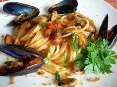 Cosa ti preparo per cena?: Spaghetti con le cozze alla tarantina con passaggio sardo