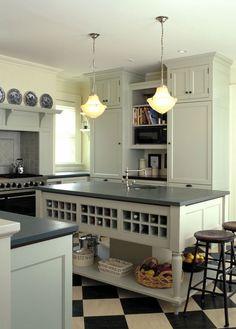 Gestalten Sie Ihre Küche mit einer schönen Arbeitsplatte aus Schiefer. Vor allem eignet sich dieser Naturstein, wenn der Rest der Küche hell ist, da kommen die Schiefer Arbeitsplatten richtig zur Geltung.