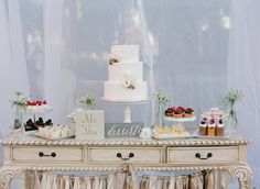 Desserts and cake by MCakesSweets, Photography by Esther Sun
