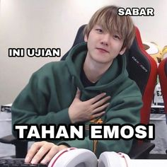Bts Meme Faces, Memes Funny Faces, Funny Kpop Memes, Exo Memes, Cute Memes, Exo Stickers, Funny Tweets Twitter, Youtube Editing, Quotes Lucu