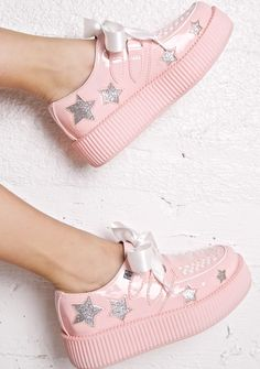 T.U.K. Starla Platform Creepers is gunna show off yer twinkle powah, bb! These super sweet eXXXclusive creepers feature a sleek baby pink patent construction, matte pink creeper sole, white vegan leather trim with interlaced details on the toe, glittery star cut outs all over, and D-ring lace-ups with pretty satin laces~