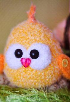 Amigurumi chick – free crochet pattern
