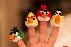 angry birds finger puppets - inspiration only Crochet Diy, Crochet Gifts, Crochet For Kids, Crochet Dolls, Finger Crochet, Amigurumi Patterns, Crochet Patterns, Bird Puppet, Angry Birds