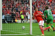 Benfica campeão com sabor a Lima Lima, Soccer, Sports, Canoeing, Club, Volleyball, Football, Sport, Slime