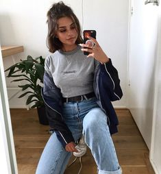 pin: b e l l e The post pin: b e l l e appeared first on Kleidung ideen. pin: b e l l e The post pin: b e l l e appeared first on Kleidung ideen. Mode Outfits, Grunge Outfits, Grunge Fashion, Jean Outfits, Trendy Outfits, Girl Fashion, Fashion Outfits, Outfits With Short Hair, 90s Fashion
