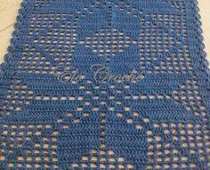 """Simples Fácil e lindo   É o que sempre digo: """"O clássico nunca sai de moda"""".  Em meio a tapetes lindíssimos, coloridos e cheios ... Filet Crochet, Crochet Blanket Patterns, Rugs, Blog, Home Decor, Runners, Crochet Carpet, Crochet Table Runner, Luxurious Rugs"""