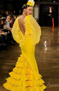 Pasarela Flamenca Mexican Costume, Look 2015, Gypsy Women, Spanish Fashion, Yellow Fashion, Mellow Yellow, Yellow Dress, Dream Dress, Dress To Impress