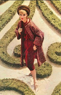 1958  Christian Dior.