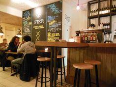 FIER - De Clercqstraat 79, Amsterdam West www.fieramsterdam.nl Prijsniveau: goedkoop Perfect for: gezellig eten met vrienden of een vrijdagmiddagborrel