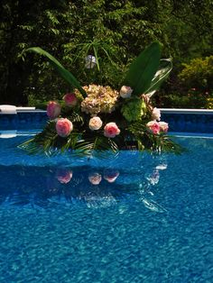can't forget the pool flowers