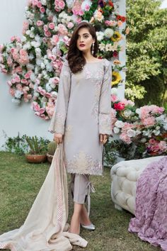 Graceful Printed lilic 3 piece unstitched pret by Imrozia Premium casual prets 2018 Pakistani Dresses Casual, Pakistani Wedding Outfits, Eid Dresses, Pakistani Dress Design, Indian Dresses, Indian Outfits, Party Dresses, Beautiful Dresses For Women, Casual Dresses For Women