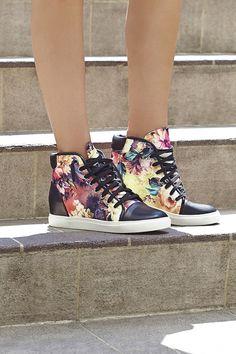Blazing Bloom Sneaker #ShoeCult