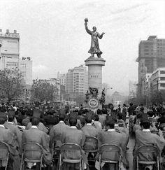 태평로 [Taepyeong-ro, 太平路] Seoul, Korea, 1970  유관순 동상