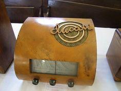 Italian-made 1942 Ducati radio
