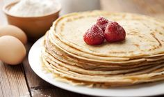 The French crepes taste hearty and seductive. Enjoy this irresistible recipe. The French crepes taste hearty and seductive. Enjoy this irresistible recipe. Crepes Minces, Best Pancake Recipe, Buckwheat Cake, French Crepes, Crepe Recipes, Easy Recipes, Pumpkin Spice Cupcakes, Eat Smart, Healthy Snack Recipes