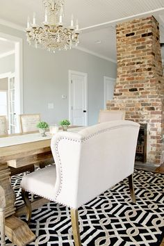 New Farmhouse Dining Room Paint Fixer Upper Ideas Farmhouse Dining Room Table, Dining Room Paint, Dining Room Colors, Dining Room Furniture, Furniture Redo, Dining Tables, Bedroom Colors, Dining Rooms, Round Tables