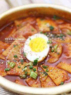 분식집 갈필요없어~ 떡볶이 황금레시피 – 레시피 | 다음 요리 Korean Dishes, Korean Food, Easy Cooking, Cooking Recipes, K Food, Food Design, Soul Food, Asian Recipes, Food And Drink
