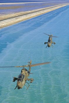 Cobras over the Dead Sea. Attack Helicopter, Military Helicopter, Military Aircraft, Fighter Aircraft, Fighter Jets, Photo Avion, People's Liberation Army, Naval, United States Army