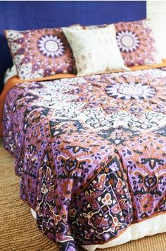 Purple Medallion 3 Piece Quilt and Sham Set - Full /Queen - Earthbound Trading Co.