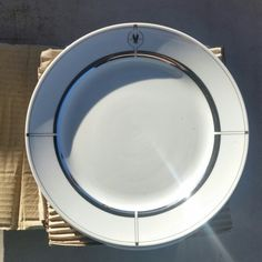 ●SUPER Clearance● 6 Collectable AA Plates... This is a set of 12 Collectable American Airlines Plates that has the symbol and the ring around!! All new plates!! Never used!! American Airlines Other