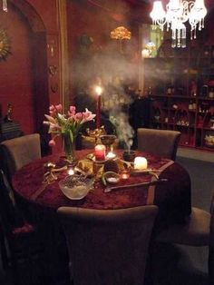What a perfect room for a tarot reading! Witch Cottage, Witch House, Witch Room, Decoupage, Season Of The Witch, Secret Rooms, Reading Room, My Dream Home, Sweet Home