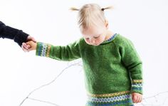 Neulo lapselle suloinen villapusero
