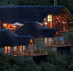 Esiweni luxury safari lodge, Nambiti big five private game reserve | GALERIE