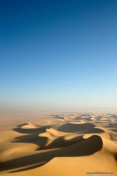 The infinity of the Sahara Desert  - #morocco #sahara #desert Maroc Désert Expérience tours http://www.marocdesertexperience.com