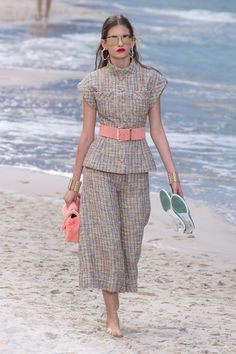 Chanel Spring 2019 Ready-to-Wear Collection - Vogue