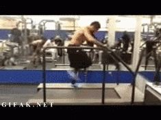 36. Robert Gill of the Arizona Cardinals Running 25 MPH on a Treadmill   Community Post: 42 Mind-Boggling Images That Will Melt Your Brain
