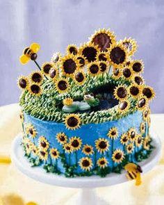 Tarta decorada con muchos girasoles y abejas