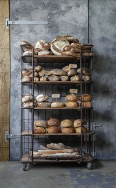 The beautiful bakers trolley. So so lovely with a couple of loaves ;)