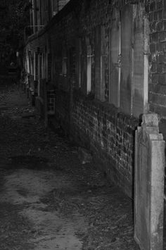 """""""Colonial Park Cemetery"""" Photo by Amy Larson Downtown Savannah, Savannah Chat, Cemetery, Colonial, Amy"""