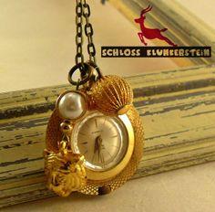 GOLD TIGER - goldene echt Vintage Damen Kettenuhr von Schloss Klunkerstein - Uhren, von Hand gefertigter Unikat - Schmuck aus Naturmaterialien, Medaillons, Steampunk -, Shabby - & Vintage - Schätze, sowie viele einzigartige und liebevolle Geschenke ... auf DaWanda.com