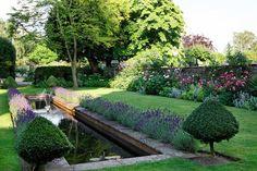 Ludlow Garden | Outdoor Spaces (houseandgarden.co.uk)