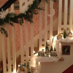 #maryengelbreit #cottagestyle #homedecor #christmas #christmasdecor #cottages