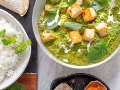 Intialaisen ravintolan lempiannoksesi syntyy myös helposti lähikaupan aineksista, täysin kasvipohjaisesti ja maistuu koko perheelle. Happy Foods, Garam Masala, Naan, Palak Paneer, Tofu, Curry, Ethnic Recipes, Curries