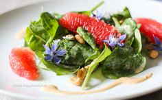 Recipe for Baby Spinach Salad with Peanut Dressing and Grapefruit vegan, gluten free