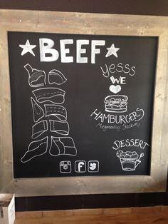 Groot krijtbord, beschreven met een krijtstift voor een restaurant in Lelystad. Www.jangoos.nl