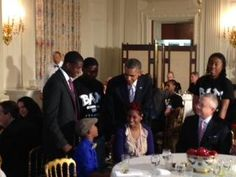 """Twitter / """"markknoller: Pres Obama greets guests at his pre-Father's Day Lunch at the WH. (TV Pool Photo by @JimAvilaABC)."""""""