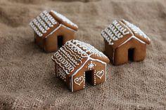 Mini Gingerbread Houses for your Mug