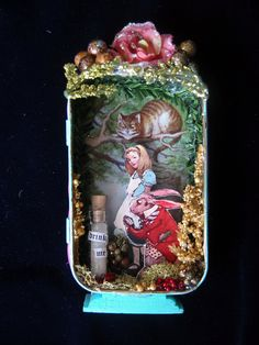 Alice in Wonderland altered altoid tin diorama Shadow Box Kunst, Shadow Box Art, Altered Tins, Altered Art, Paper Art, Paper Crafts, Diy Crafts, Art Projects, Projects To Try
