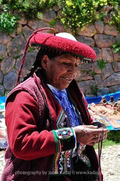 Woman on sunday market in Pisac, Peru.